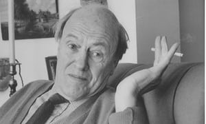 Roald-Dahl-pictured-wavin-008